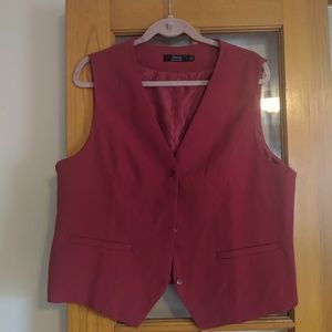 NWOT wowmens red vest.